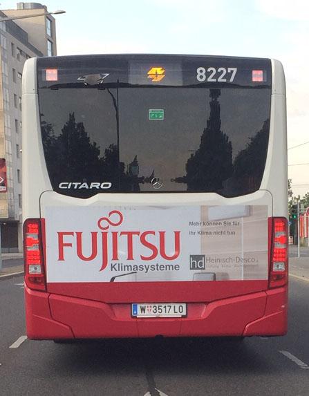 Am Bus durch Wien